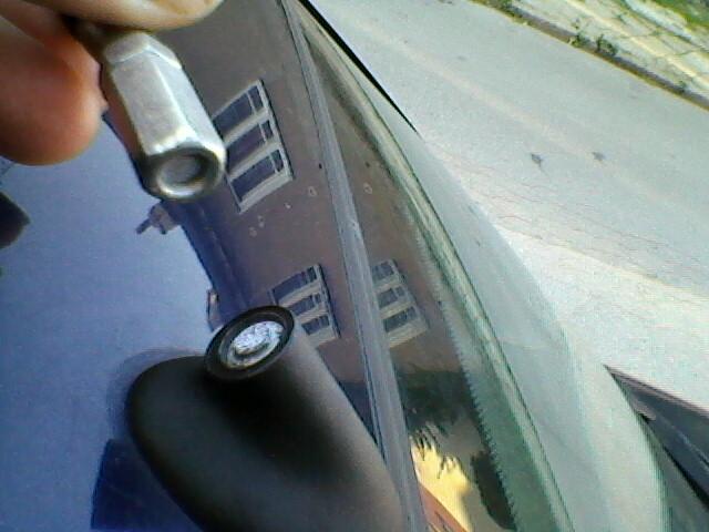 Urwany gwint anteny samochodowej Ford Mondeo mk2