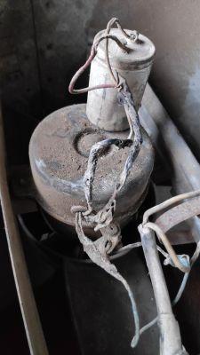 Silnik jednofazowy z kondensatorem - zmiana kierunku obrotów.