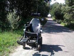 Ładowanie akumulatorów podczas jazdy wózkiem elektrycznym - Forest II