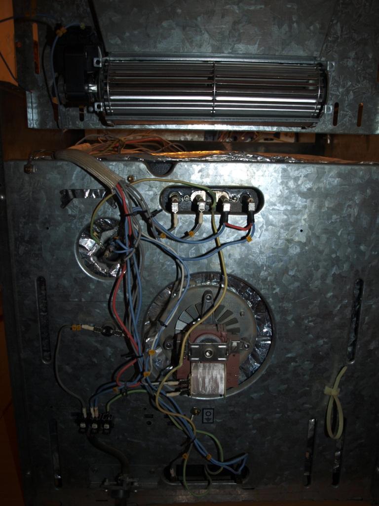 Mastercook Wrozamet typ 3727  Nie działają grzałki piekarnika elektrycznego -> Kuchnia Gazowo Elektryczna Mastercook Wrozamet