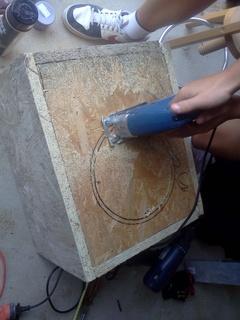 Subwoofer DIY na Alphard SW-1003Z