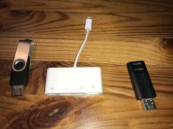 Test pendrive ze złączem lighting do urządzeń mobilnych iPad i iPhone.