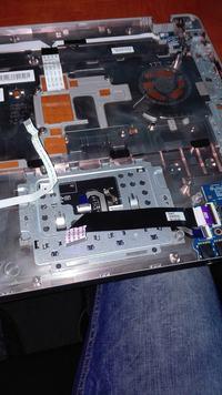 HP ProBook 4740s - Śnieżenie obrazu, przebicia na obudowie laptopa