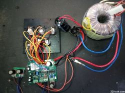 Zasilacz laboratoryjny 0-30 V 0-10A