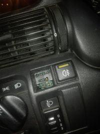 Astra F sedan - jak odkręcić przedni zderzak?