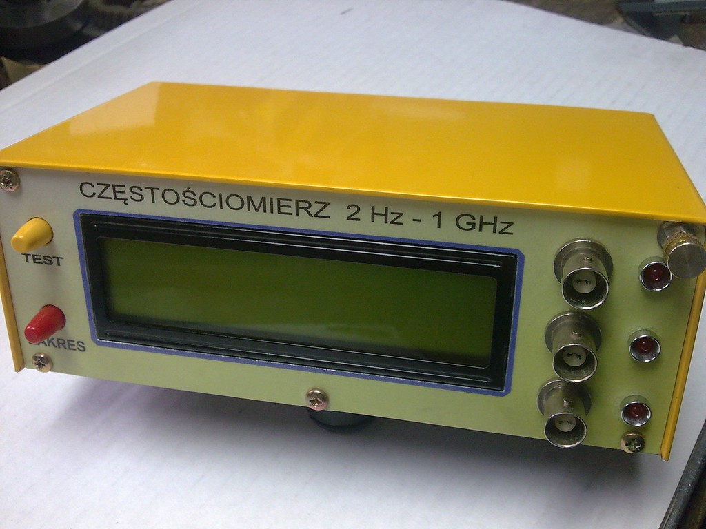 Cz�sto�ciomierz 2Hz do 1GHz.