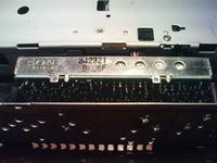 Sony CDX-3250 - Słabo odbiera fale radiowe/zakłócenia po zasilaniu
