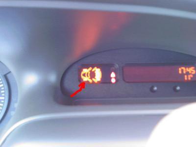 Renault Scenic miga kontrolka koła