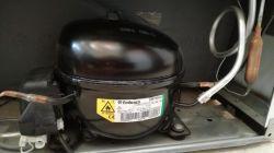 Lodówka Mastercook LTB-414 - W chłodziarce jest ok 13 st. a w zamrażarce ok - 30