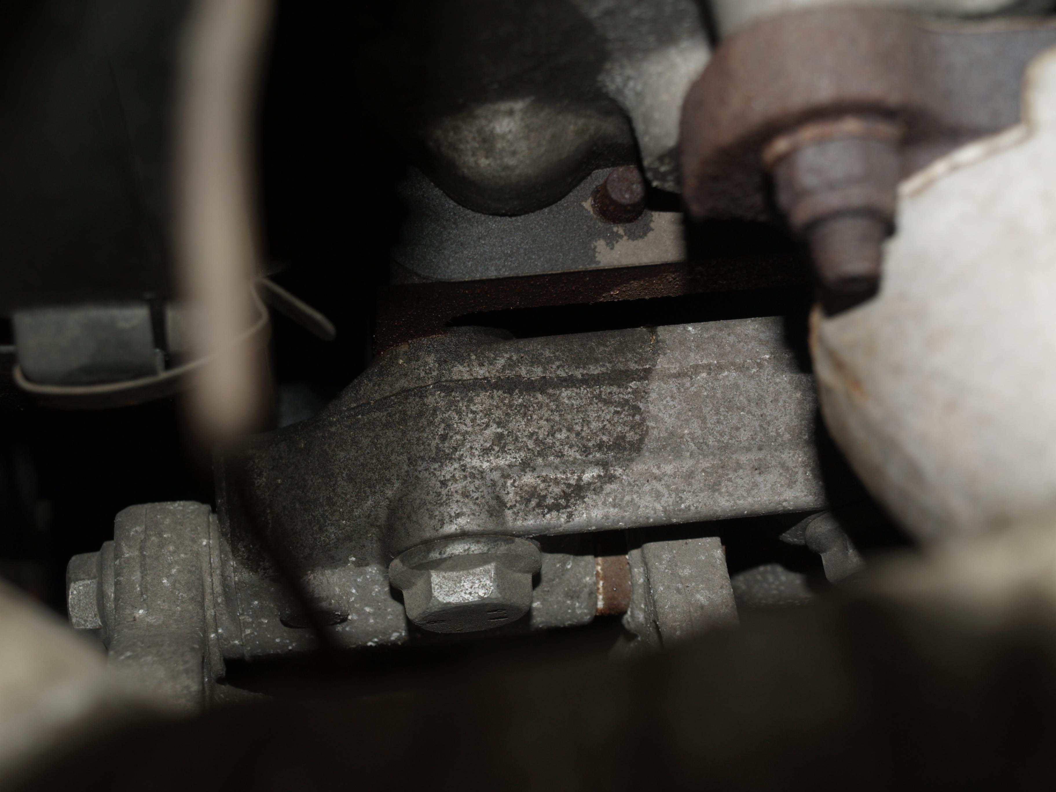 VW Golf III 1.6 - Wyciek oleju - pro�ba o diagnoz�