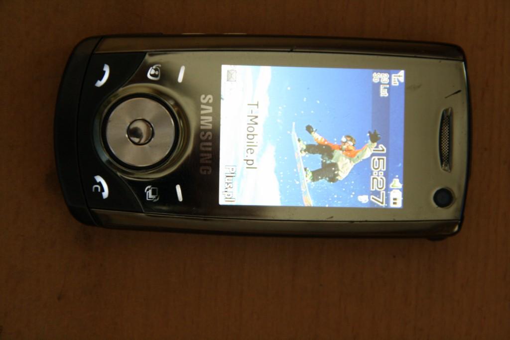 Samsung u700 nie wyszukuje zasi�gu