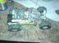 Zdalnie sterowany samochodzik z 3 biegową skrzynia biegów.