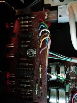 Unitra Diora DSS 402 Zodiak - prawy kanał charczy oraz usterka wskaźnika i ARC.