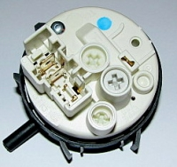 Whirlpool AWO/D 4113 - Czy hydrostat się otwiera ?