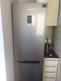 Samsung RB31FERNCSA - Dziwna praca lodówki