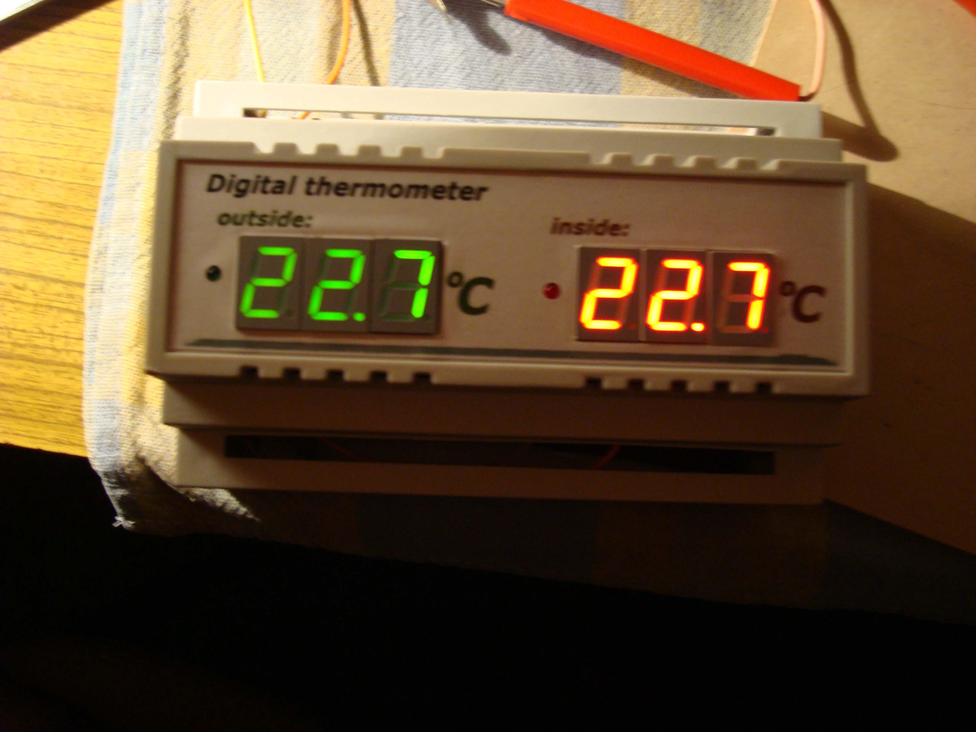 Termometr dwupunktowy na szyn� TH-35 (attiny 2313 ds18b20)