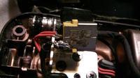 EMACHINES E730Z - Jak podpiąć kable do gniazda zasilającego.