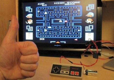 Uzebox w kontrolerze od NESa