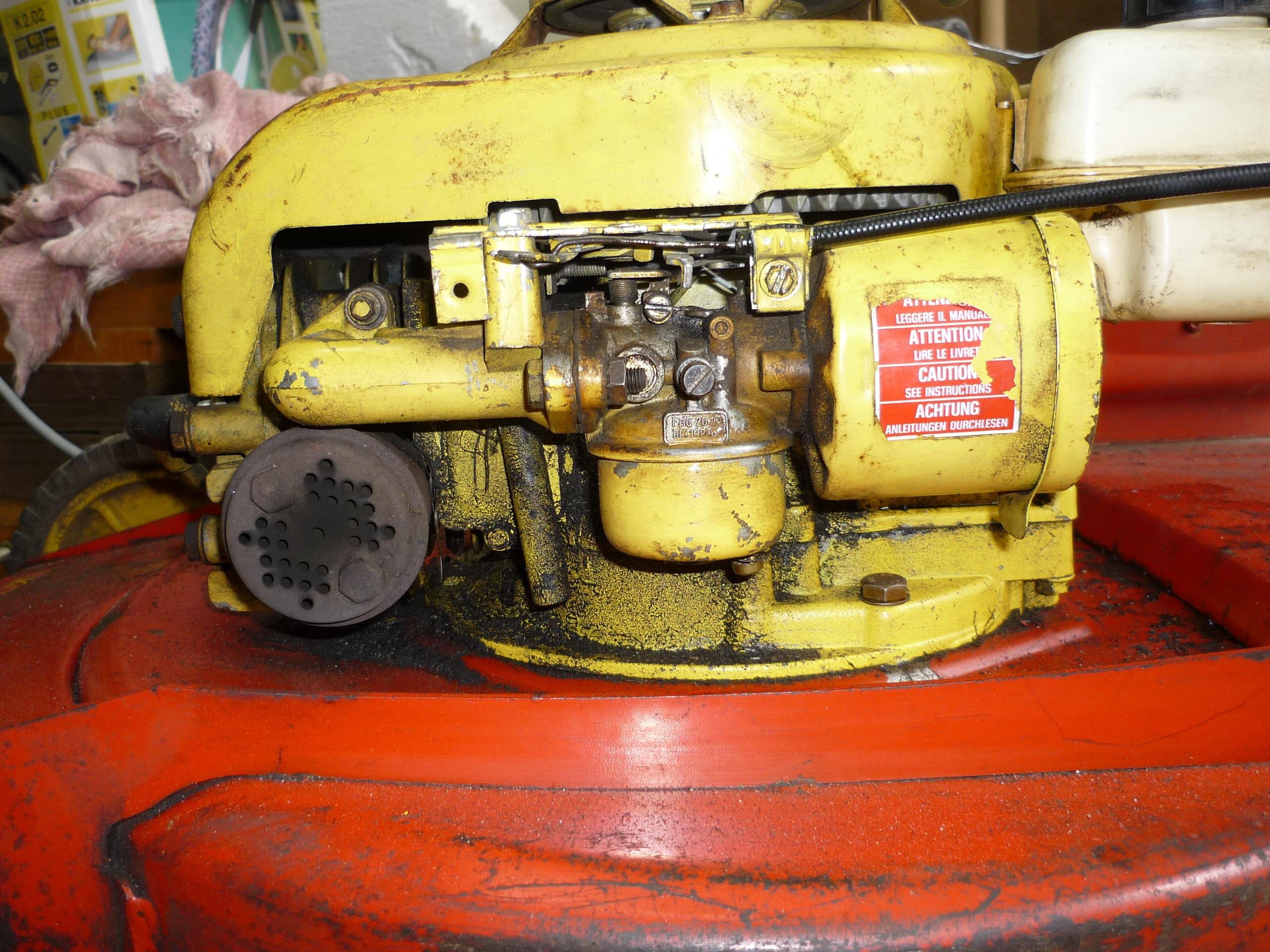 Regulacja ga�nika w kosiarce z silnikiem Tecumseh