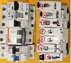 Budowa wyłącznika nadmiarowo-prądowego obwodów napięć stałych.