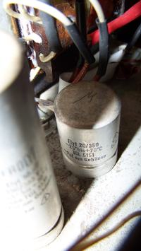 Radioodbiornik FIDELIO - Kondensatory filtrujące - jak odczytać parametry ?