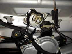 VW GOLF IV, Kombi - Zamek klapy nie zawsze działa