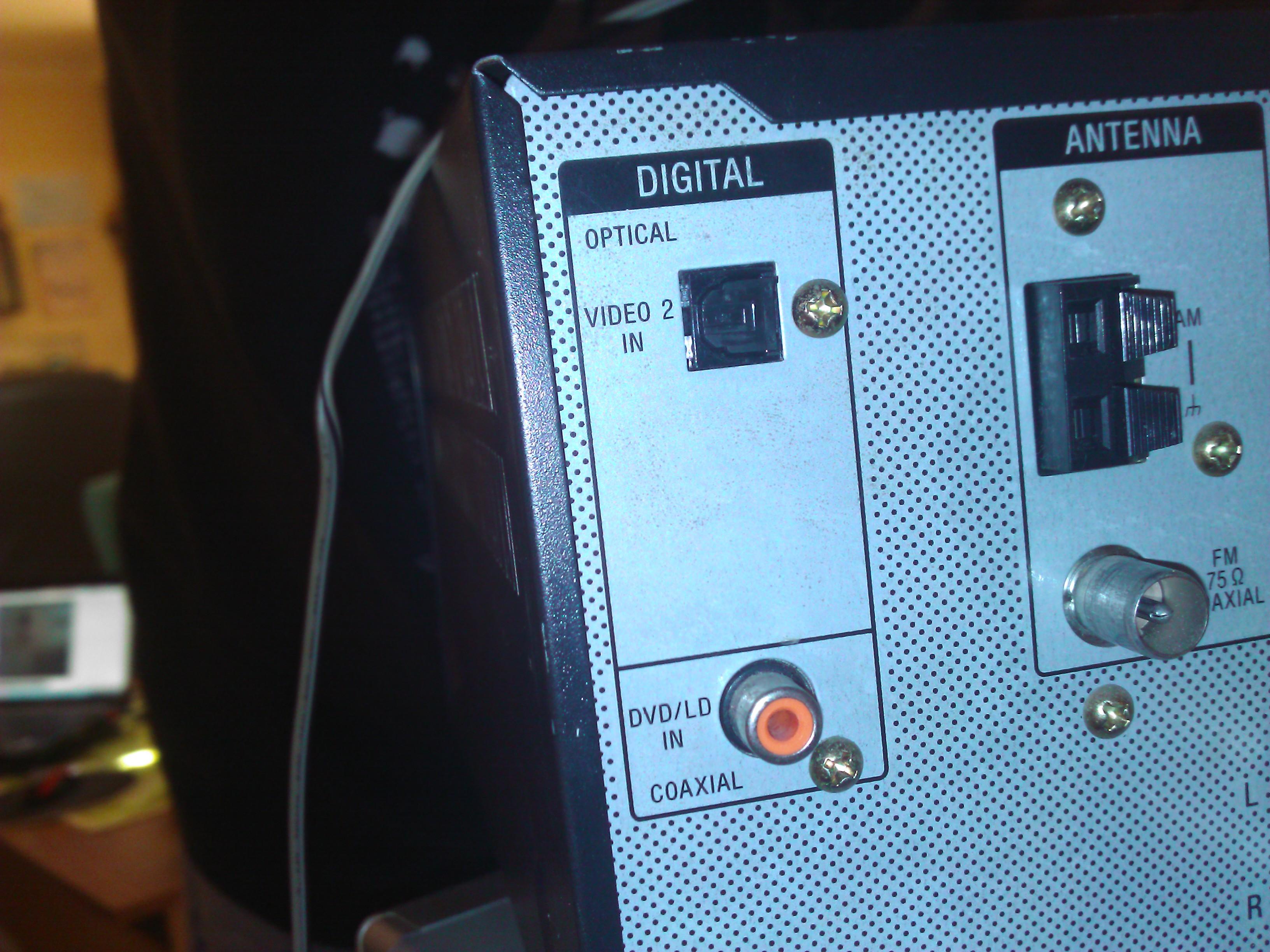 D�wi�k po kablu optycznym z TV 52LG5000 do ampli SONY STR-DE485E