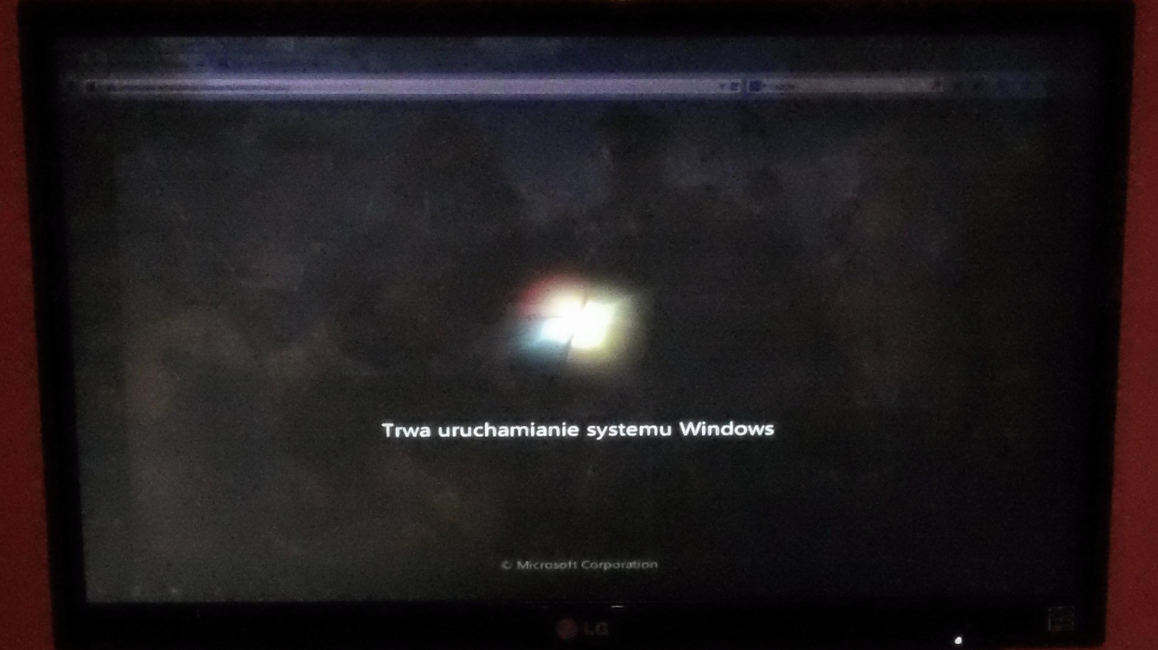 Monitor LG 22MP55HQ-P - zielone t�o + 'wt�oczone' ikony
