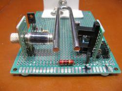 Oscylator 440 Hz z kamertonu
