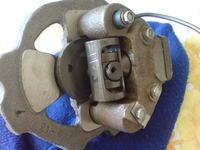 kompresor z czesci agregatu od lodówki