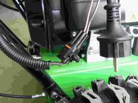 Odśnieżarka B&S 1150 10KM - elektryczna regulacja kierunku wyrzutu śniegu