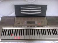 [Sprzedam] Keyboard Casio LK 270 ,pod�. klawisze,mikrofon,zasilacz