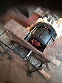 Silnik z rozdrabniarki do gałęzi - identyfikacja + sterowanie