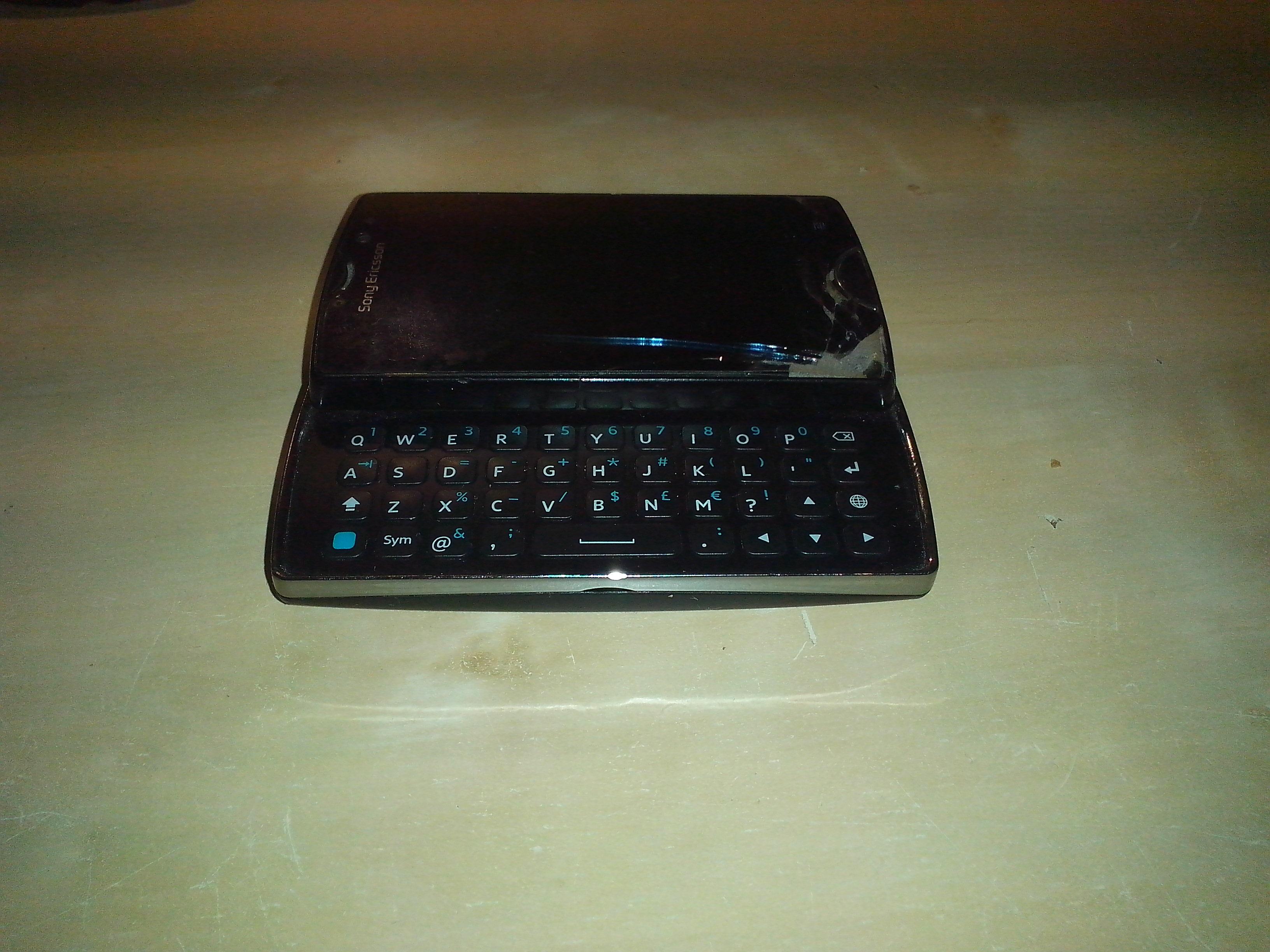 [Sprzedam] Sony Ericsson Xperia Mini Pro SK17i Uszkodzony wy�wietlacz