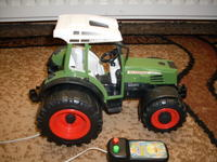 Traktor,zabawka zdalnie sterowana