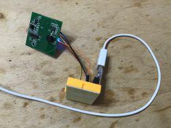 Włącznik WiFi QTouch wpinany tylko w przewód L - test, wnętrze, schemat