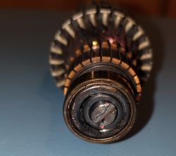 Odkurzacz Zelmer Magnat 3000.0.F08E - czy nowe łożyska należy wkleić?