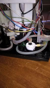 KRUPS EA8250 rurki silikonowe - Nie jestem pewny jak podłączyć rurki silikonowe