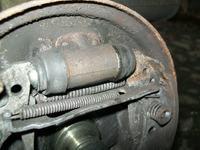 VW Golf II 1.3 1989r. - Gorący lewy bęben tylnego koła...
