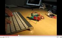 Sześcionożny robot sterowany przez Bluetooth.