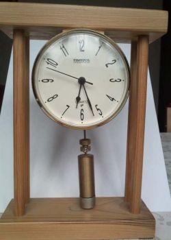 Zegar ze swobodnym wahadłem