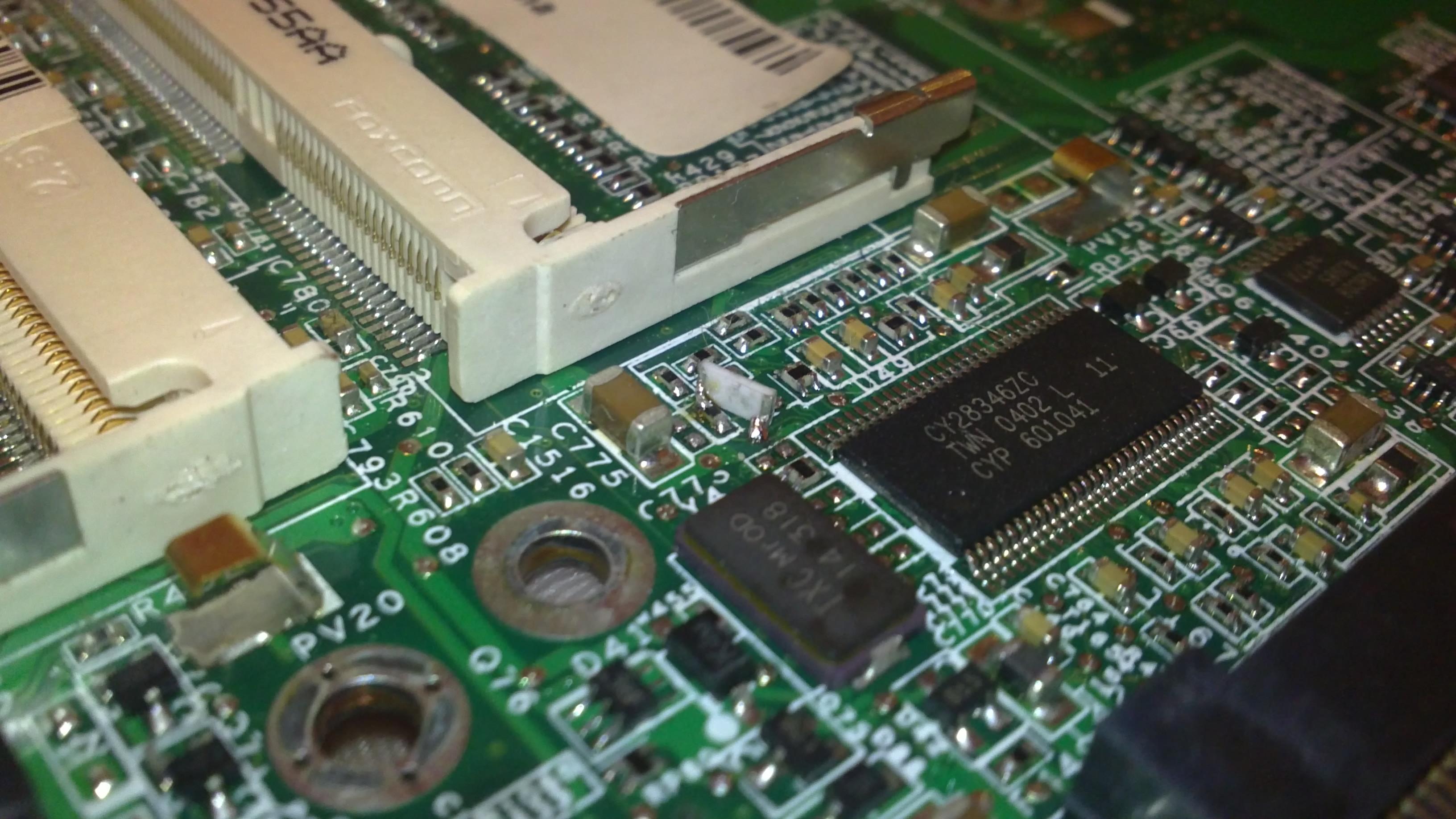 Overclocking Dell D600 - komputer zawiesza si�
