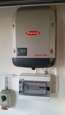 Sprawdzenie oraz podłączenie zabezpieczeń układu fotowoltaicznego - paneli PV