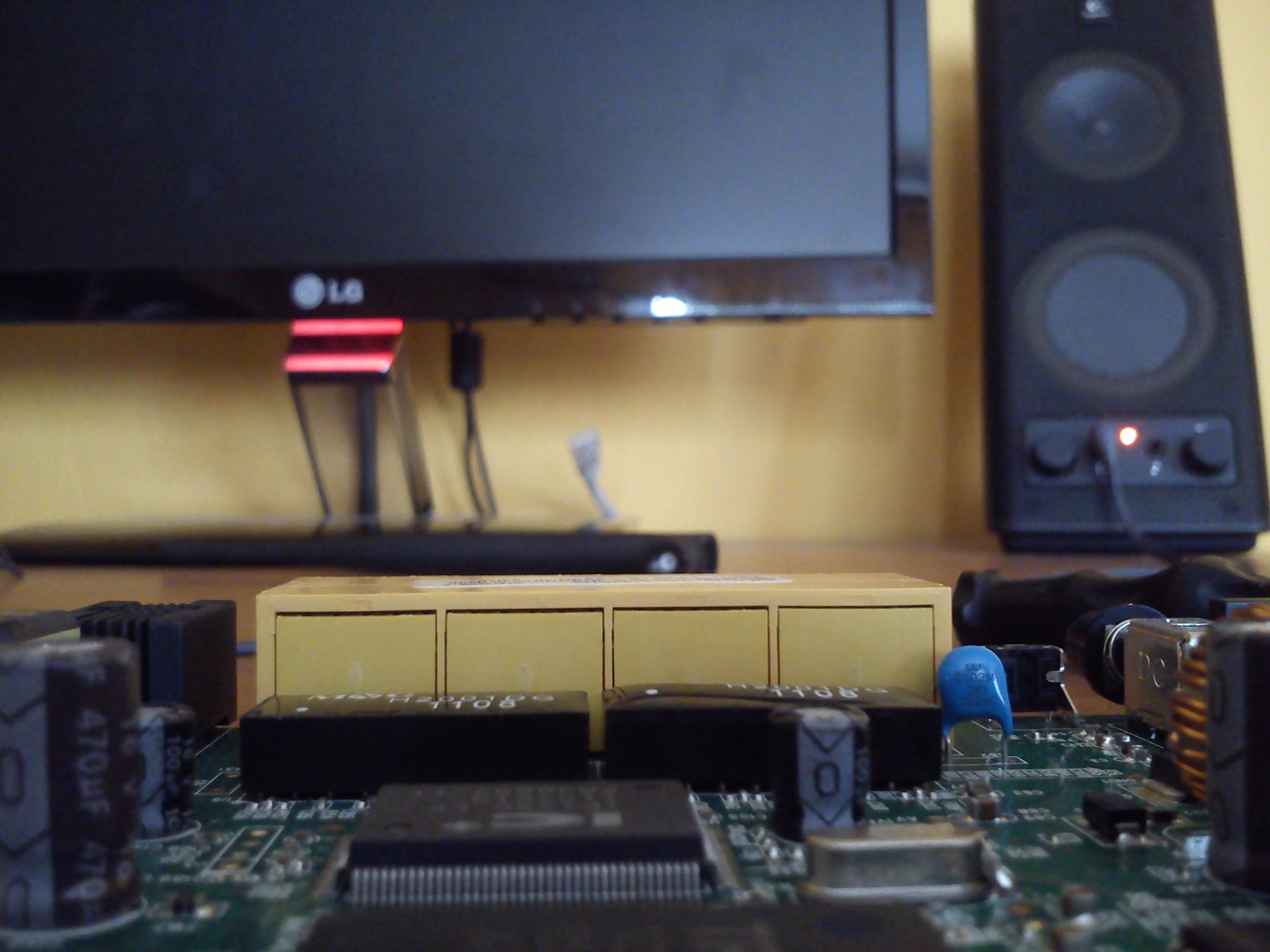 TP-LINK TD-W8901G - Zaniki sygna�u po��czenia przewodowego rutera z komputerem.