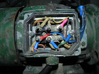 Przebicie na mas�? Uszkodzone uzjwojenie silnika 230 V?