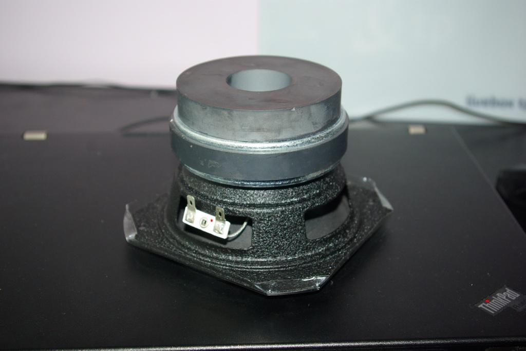 Kolumny szerokopasmowe na SPH-60X