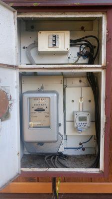 Partacze instalatorzy - 280V w gniazdku + spalone agd