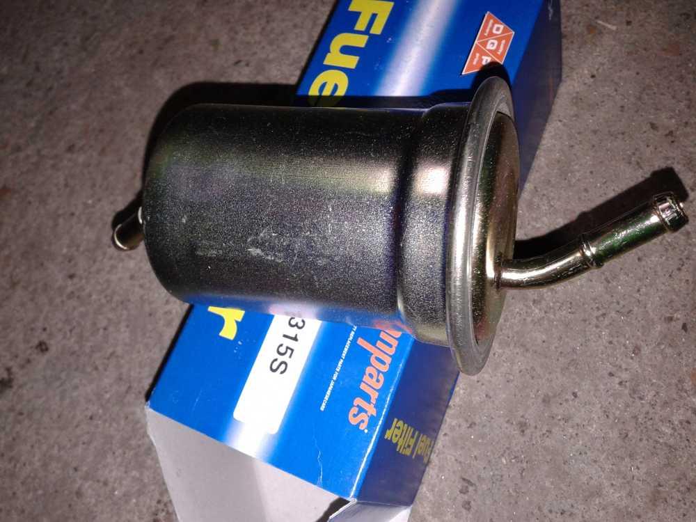 Mazda Premacy 1.8 benzyna filtr paliwa