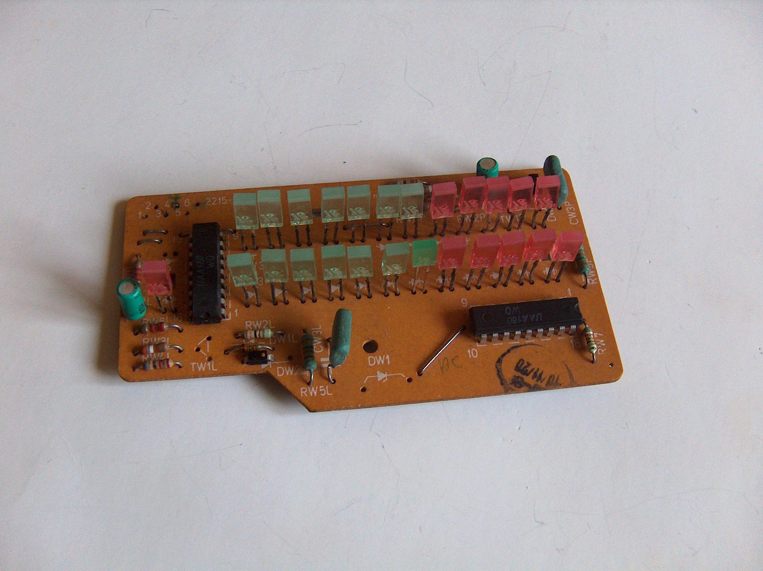 [Sprzedam] Wska�nik wysterowania stereo 2x16 LED UAA180