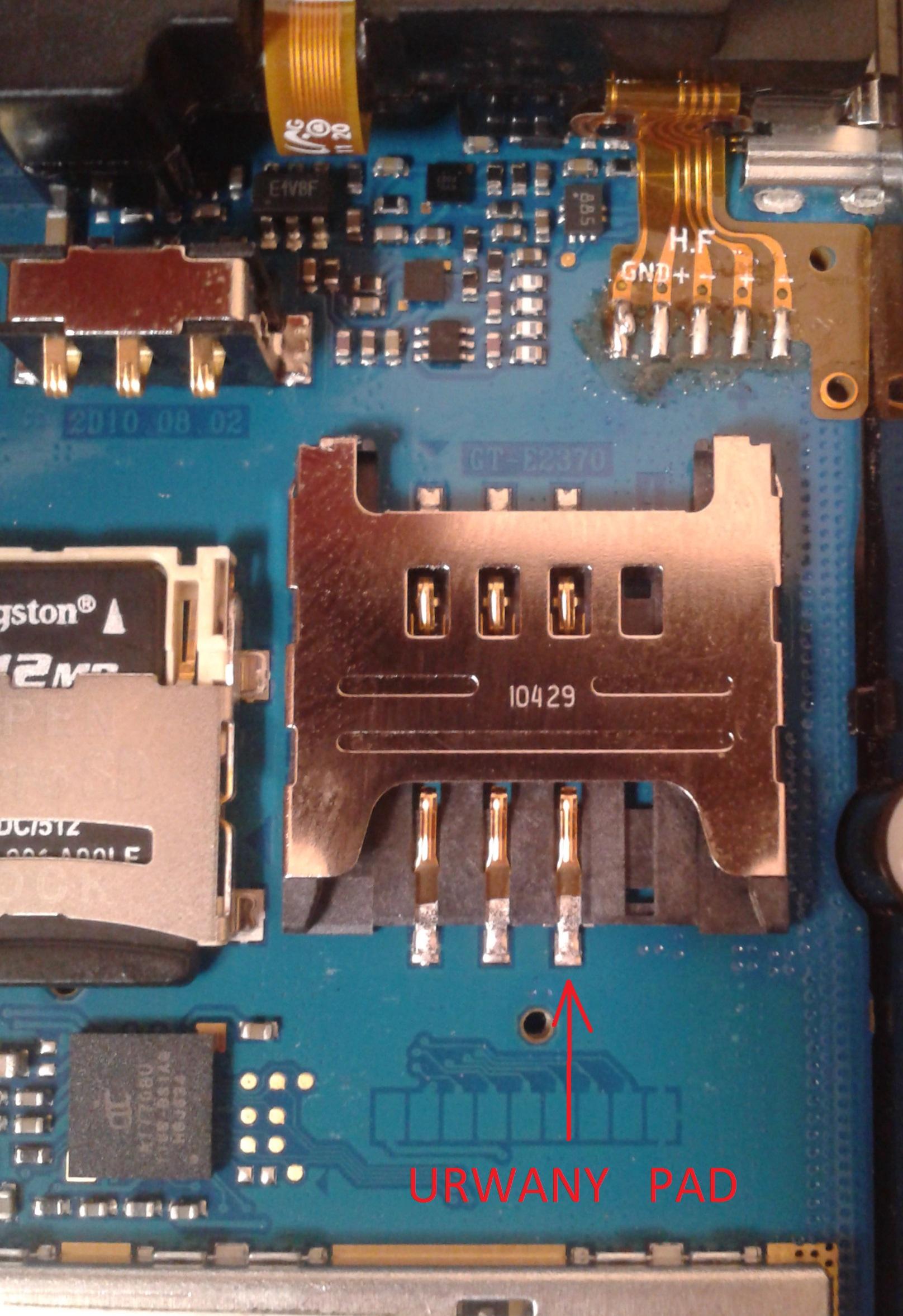 Samsung Solid GT-e2370 - urwany pad nr.1 w z��czu karty sim